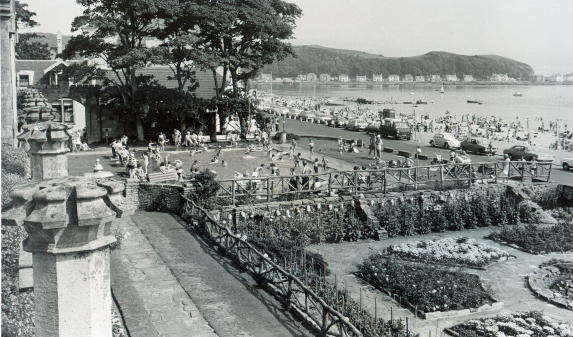 In front of the Garrison is the sunken garden and the popular paddling pool.