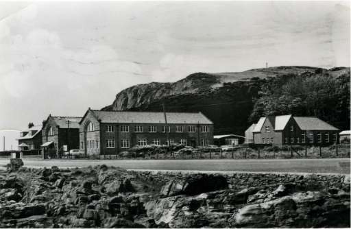 The Marine Station was extended in 1939 with the addition of another wing.
